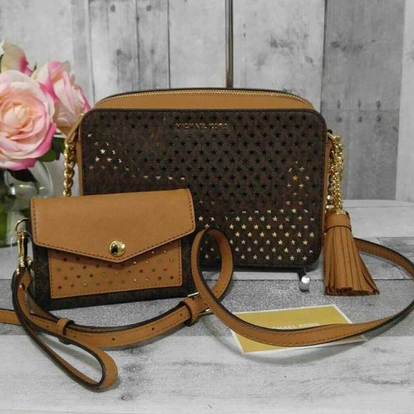 1b374930833b Michael Kors Bags | Star Crossbody Wallet Set | Poshmark